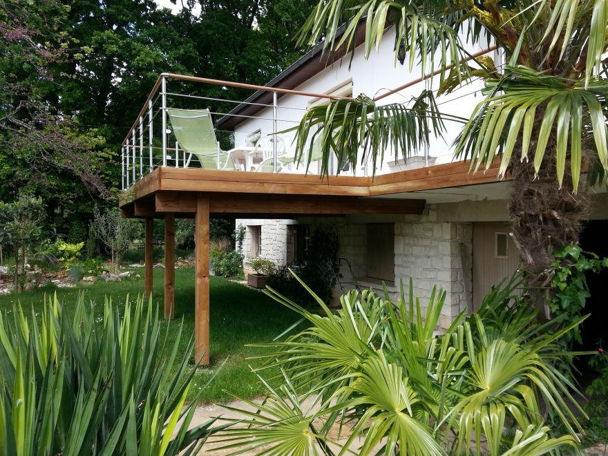 Conception De Terrasse En Bois En Hauteur Adapte A Votre